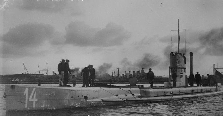 A typical WWI German U-boat (SM U-14)