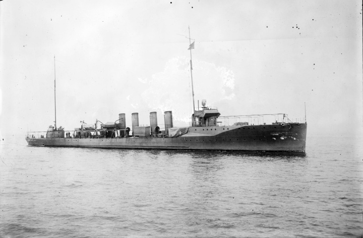 A typical US Navy destroyer during WWI (USS Wainwright)